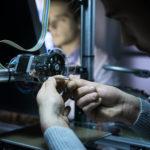 Pomocna dłoń od polskich wynalazców – Bartosz Uszacki tworzy darmowe protezy 3D