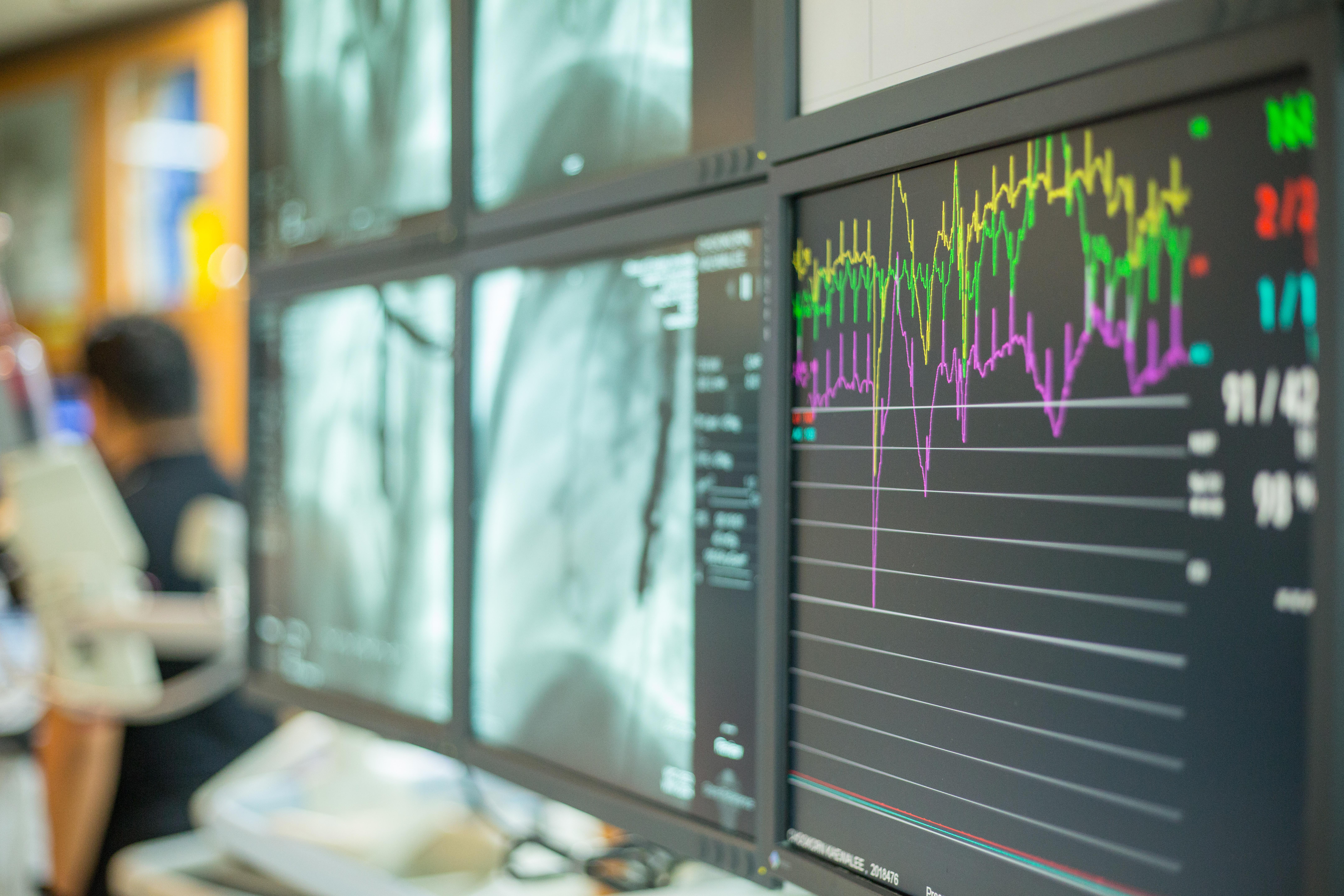 UM w Poznaniu przeprowadził transmisję online kilkunastu operacji