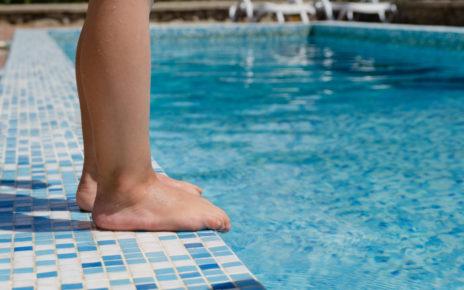 Groźne bakterie w basenach – na jakie choroby jesteśmy narażeni najbardziej?