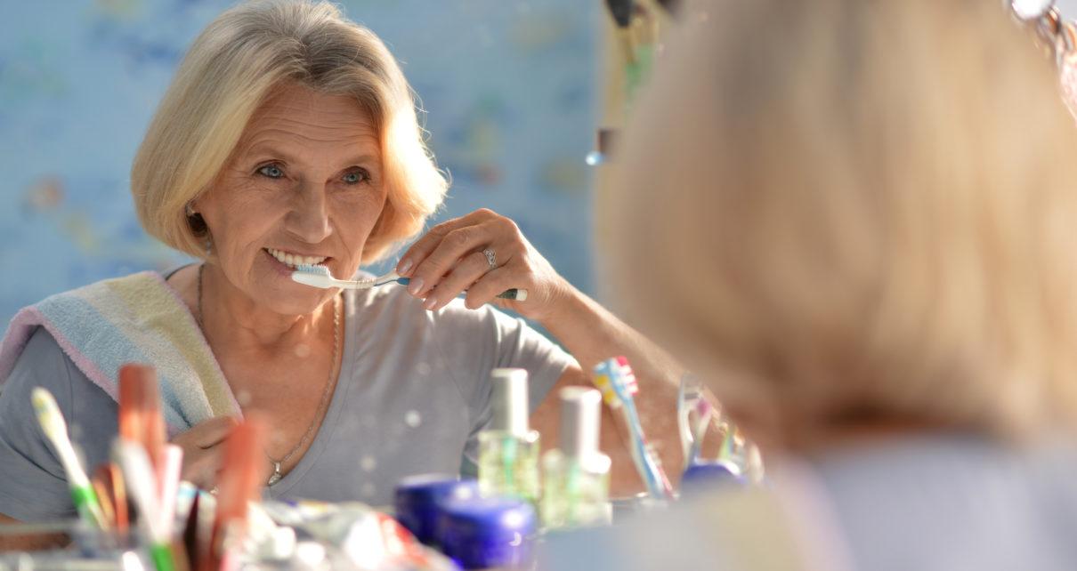 Czy zły stan zdrowia jamy ustnej wpływa na zaburzenia funkcji poznawczych?