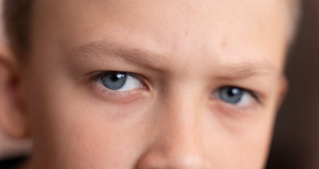 Bierne palenie odbija się negatywnie na wzroku dzieci