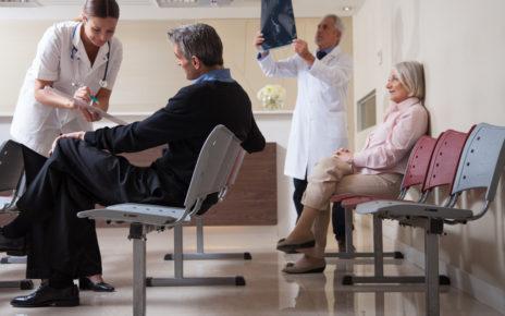Nakłady na ochronę zdrowia głównym tematem rozmów rezydentów z MZ